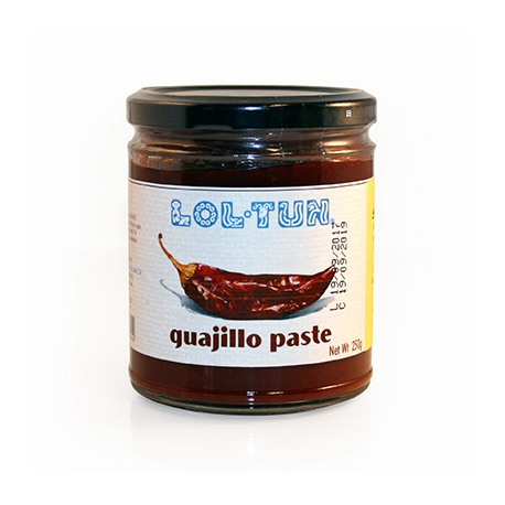 LOL TUM guajillo paste 250g